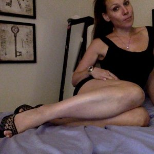 Menelle incall escorts in Castle Pines Colorado