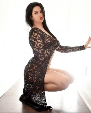 Adjoua cheap incall escort in Milton